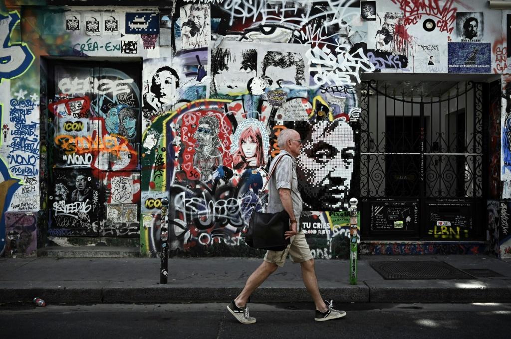 La façade de la maison de Serge Gainsbourg au 5 bis de la rue Verneuil à Paris - AFP